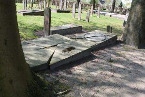 Begraafplaats verwering 2