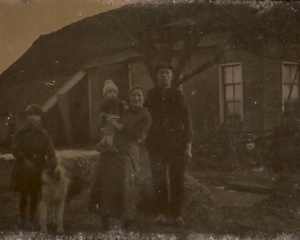 Tjassens,huis Herman Tjassens , stond achter de huidige boerderij van Bruins.jpg