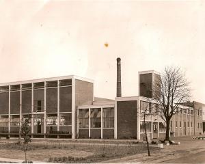 Zuivelfabriek Anloo ca 1955.jpg
