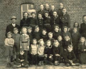 Schoolfoto,s 001.jpg